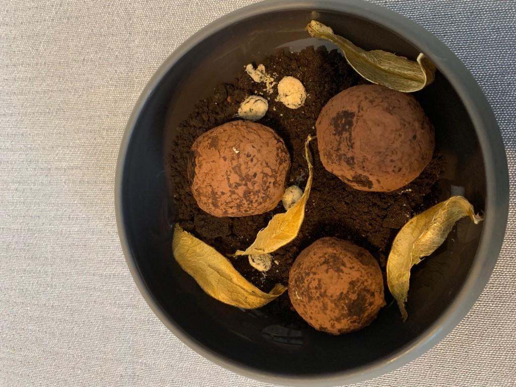 szarvasgombás csoki trüffel - Kastély